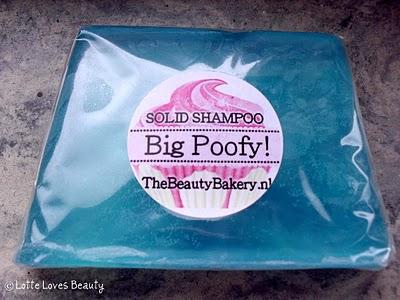Extra Big Poofy Hair Solid Shampoo van The Beauty Bakery
