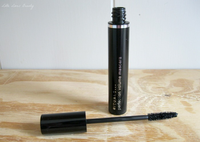 And the award for the worst mascara of the year goes to…