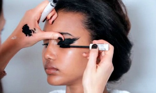 Trend: Feathered Eyeliner – niet draagbaar, of toch wel?