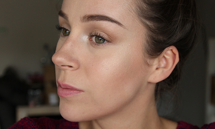 BECCA Shimmering Skin Perfector Pressed Moonstone