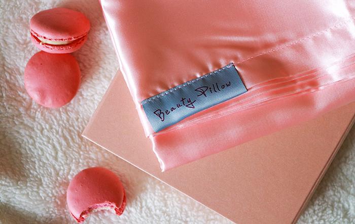 Beauty Pillow || Slapen op een satijnen kussensloop